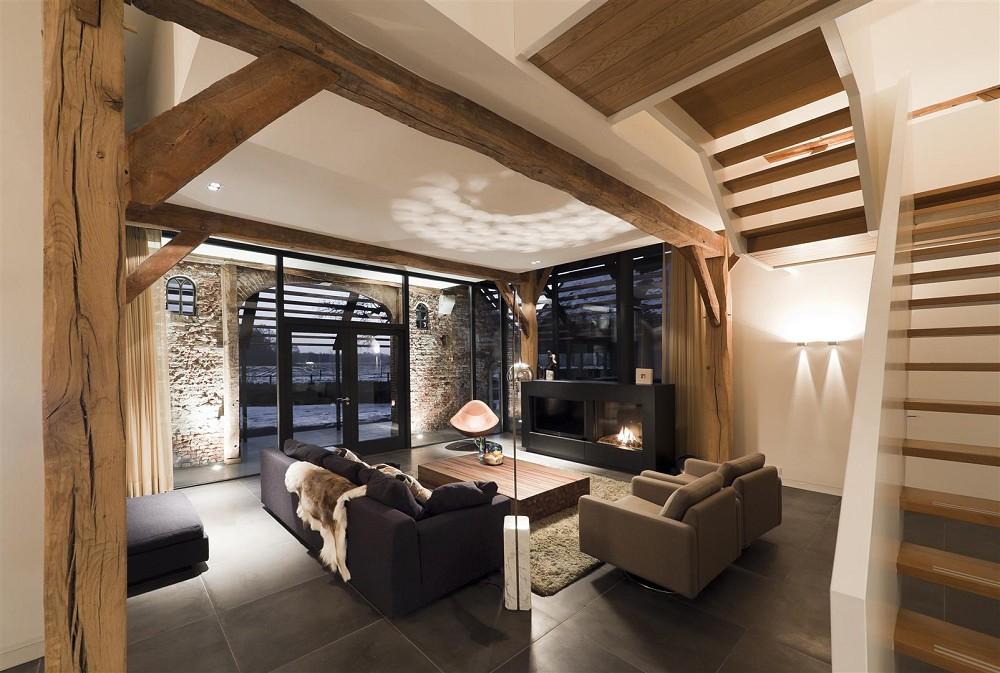 Interieur Woonkamer Eiken : Massief eiken balken · tegeltrend deurne